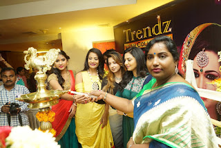 Tollywood Actress Neelya Inagurates- Trendz Vivah @ Tajkrishna.