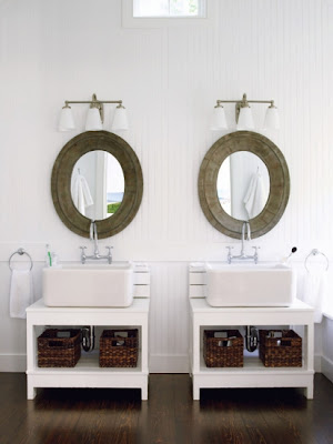 Amagansett Modern bathroom Design via Belle Vivir Blog