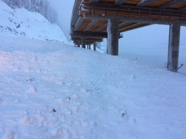 Photo of snow avalanche under I-90 at Snoqualmie Pass