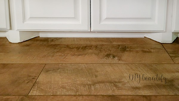 Where To Find Farmhouse Laminate Floors And How To Install Them