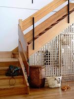 Ideas para ahorrar espacio debajo de la escalera recibidor