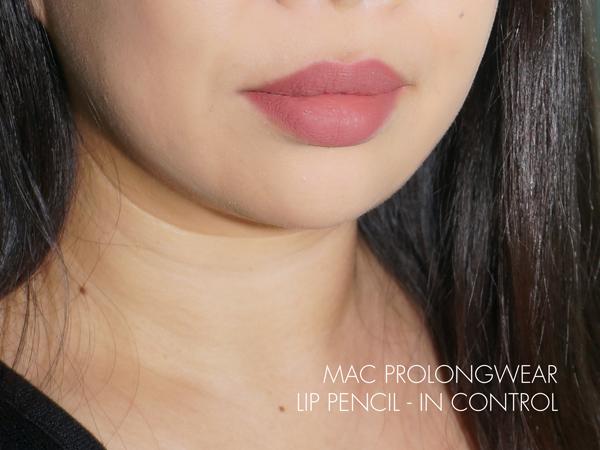 MAC Nutcracker Sweet Nude Lip Bag - Prolongwear Lip Pencil In Control