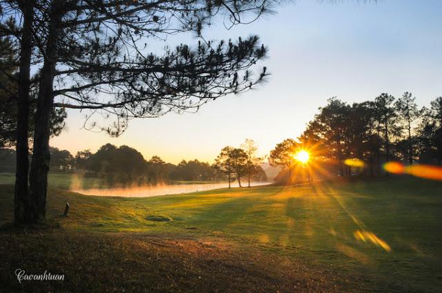 Bình minh tại sân Golf Đà Lạt