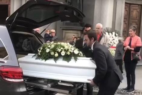 طائفة مسيحية تتولى دفن المغربي مضرم النار في أبنائه الأربعة وترفض نقل الجثامين للمغرب