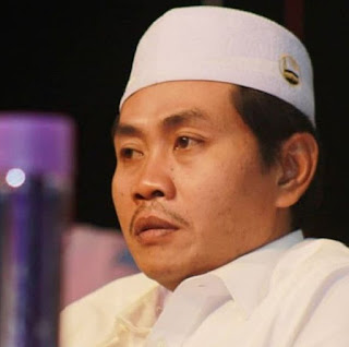 Biografi Dan Perjalanan Dakwah K.H. Achmad Anwar Zahid