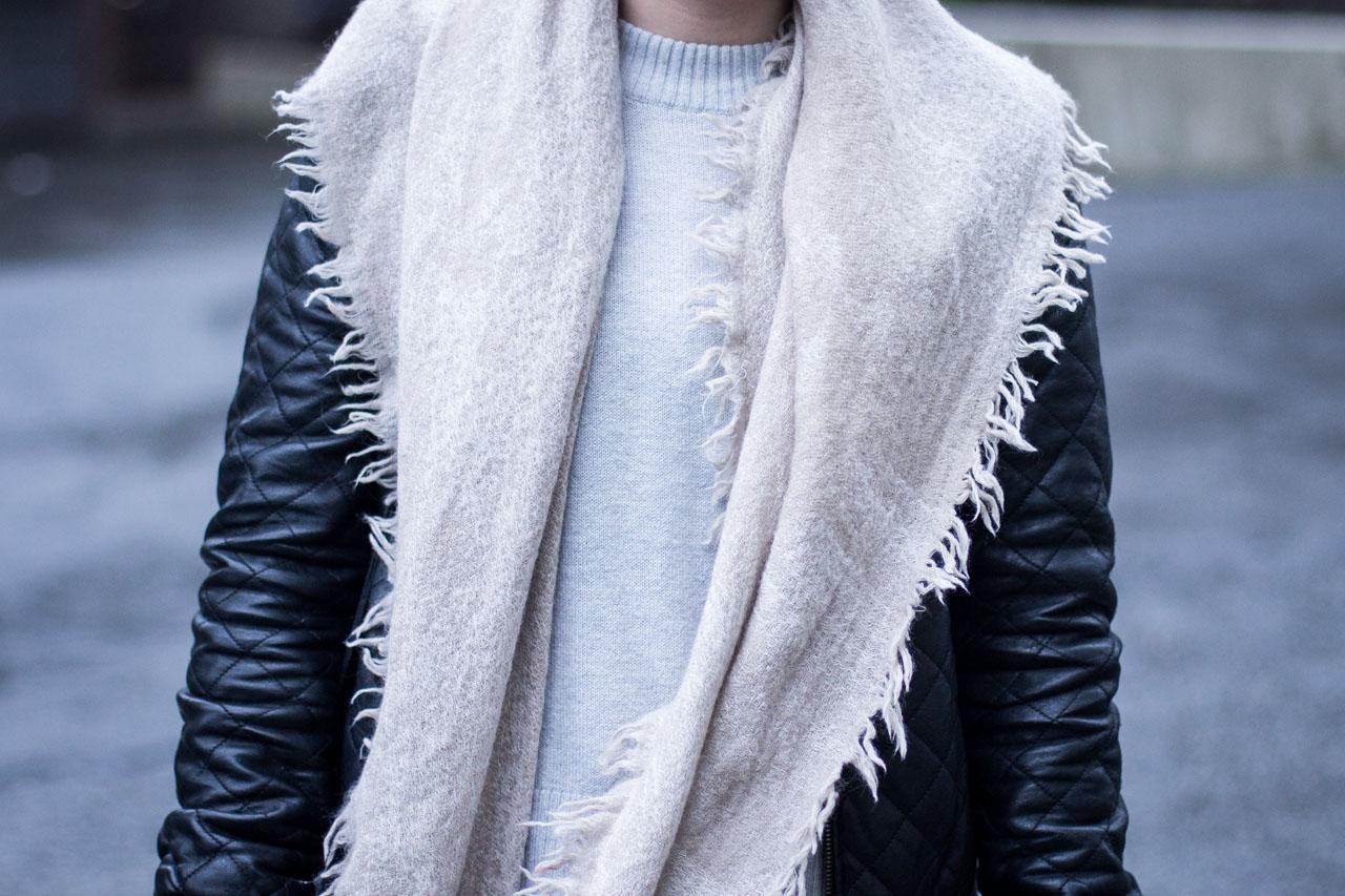 Wardrobe Staples - Aritzia scarf - Zara culottes - H&M sweater