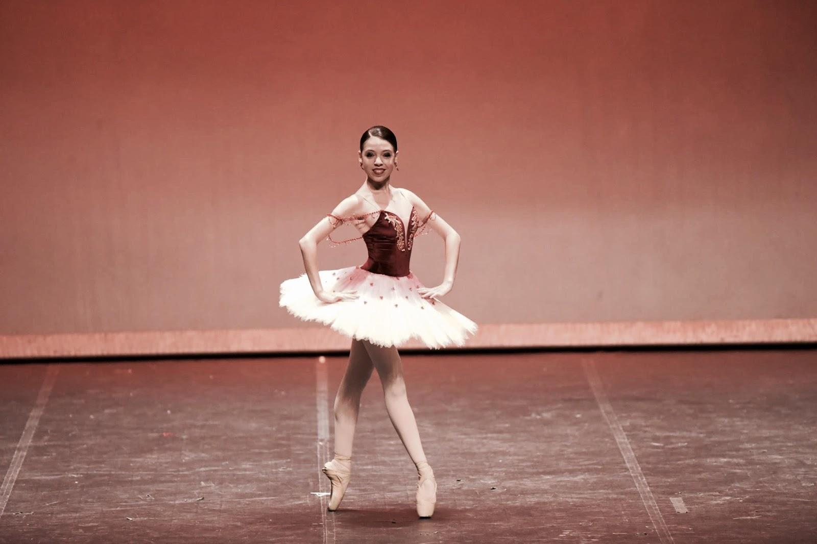 2e7b44a1be Mais uma entrevista mais que especial ao Mundo Bailarinístico! Com a  talentosa Carolina Pegurelli.