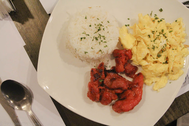 Pillows Hotel Breakfast - Tocino