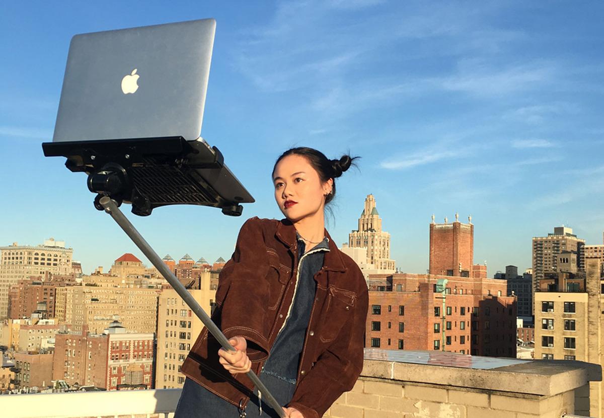 mackbook-selfie.jpg