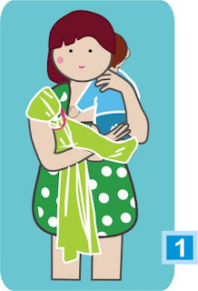 """Alt=""""Cómo meter a un bebé en una bandolera de aros en la cadera"""""""