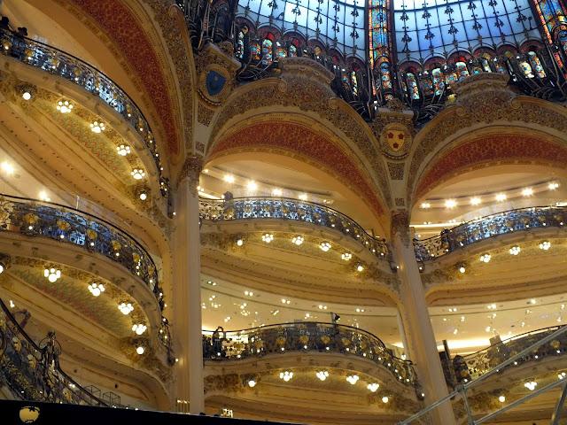 balcones galerías lafayette parís
