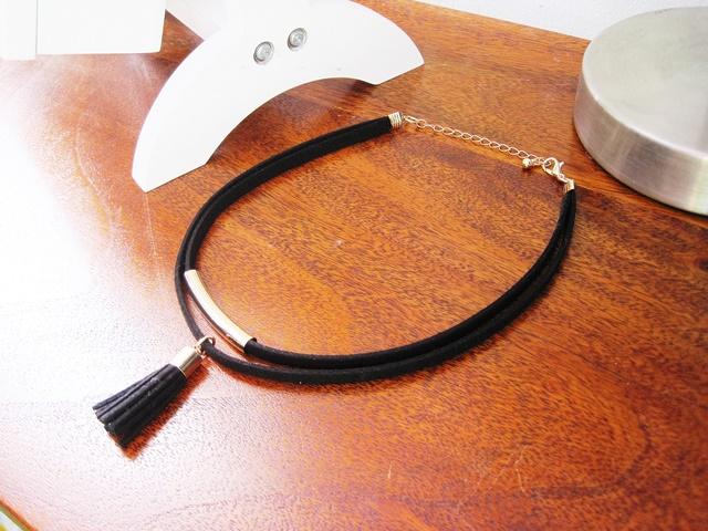 http://www.zaful.com/tassel-choker-necklace-p_211368.html?lkid=16350