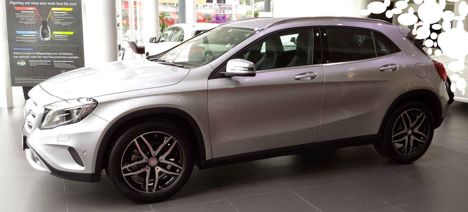 the layman auto the baby suv mercedes gla 200. Black Bedroom Furniture Sets. Home Design Ideas