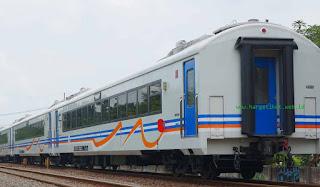 Kereta Gumarang