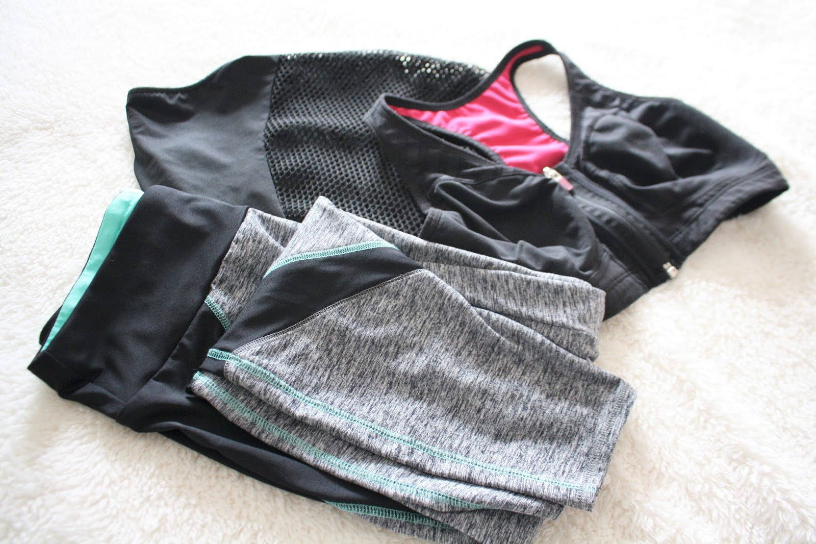 my gym essentials, nike gym bag, nike flex run 2015 running shoes, mens gym clothes, womens sportswear, anika may essentials, work out and workout clothes essentials