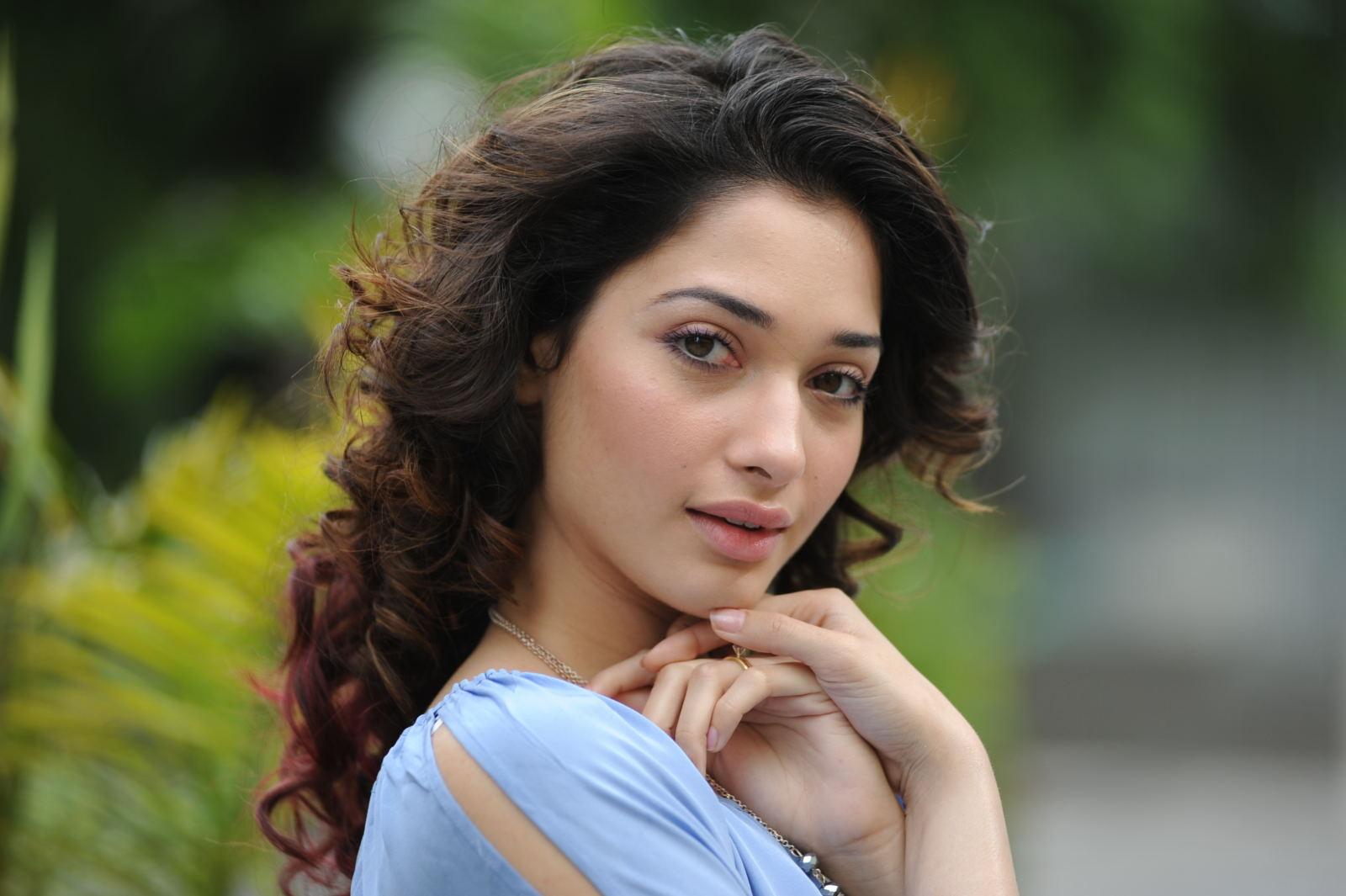 Tamanna Beautiful: Tamanna Cute Face Expression Nice Looking Pics-3