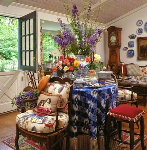 More Traditional Red White Amp Blue Rooms With Transferware