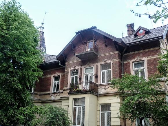 Власний особняк архітектора Міхала Ковальчука, збудований за його проектом у 1897–1898 роках.