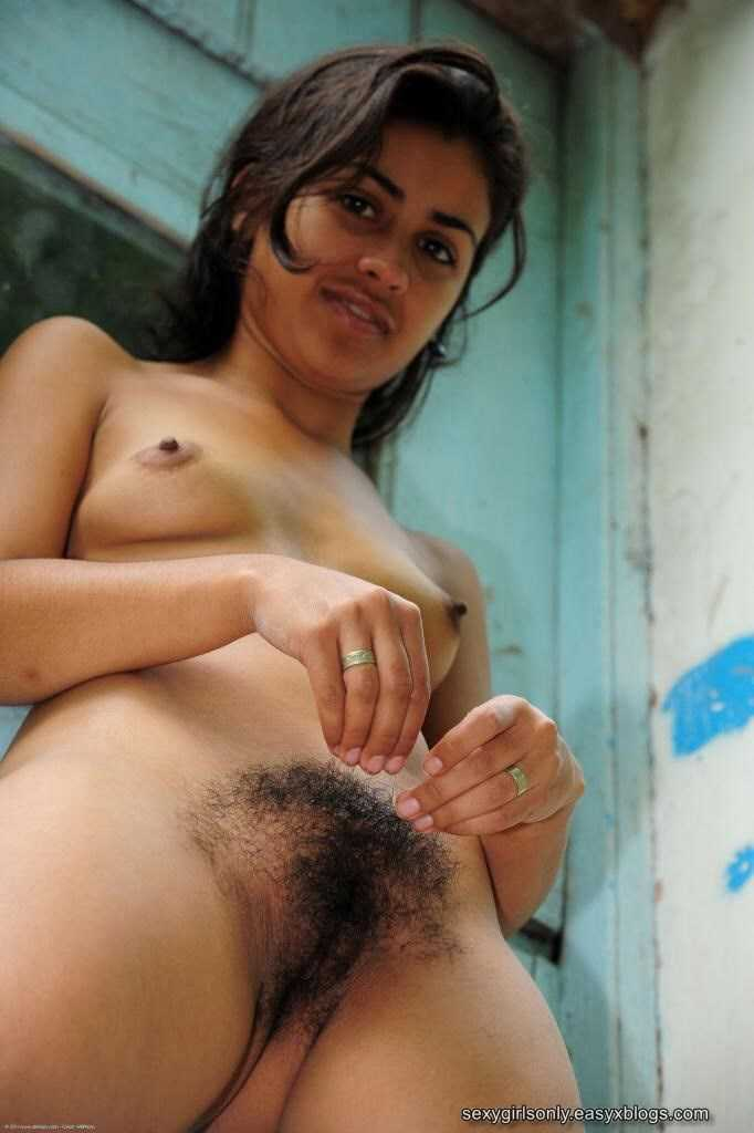 Quite Arab pure pussy photo