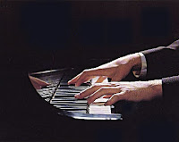 manos pianista profesional