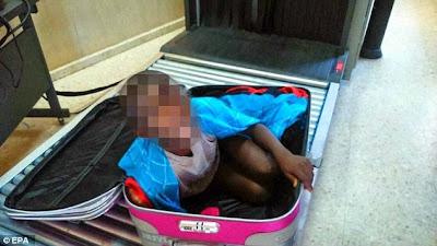 pokušali dječaka prokrijumčariti unutar kovčega.
