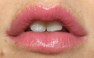 MAC lipstick lustre Lovelorn swatch