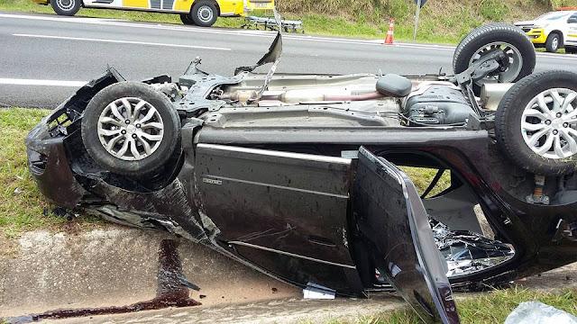 Motorista capota o carro e morre na rodovia Pinhal x Mogi-Guaçu
