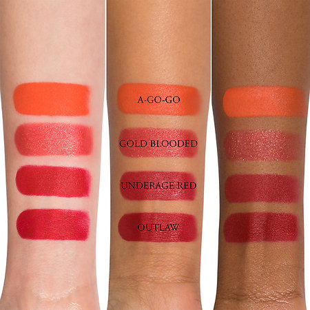 studded-kiss-creme-lipstick-swatch