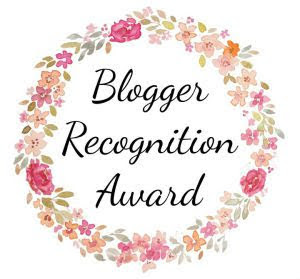 https://theuniverseofwords.blogspot.fr/2017/01/tag-2-blogger-recognition-award.html