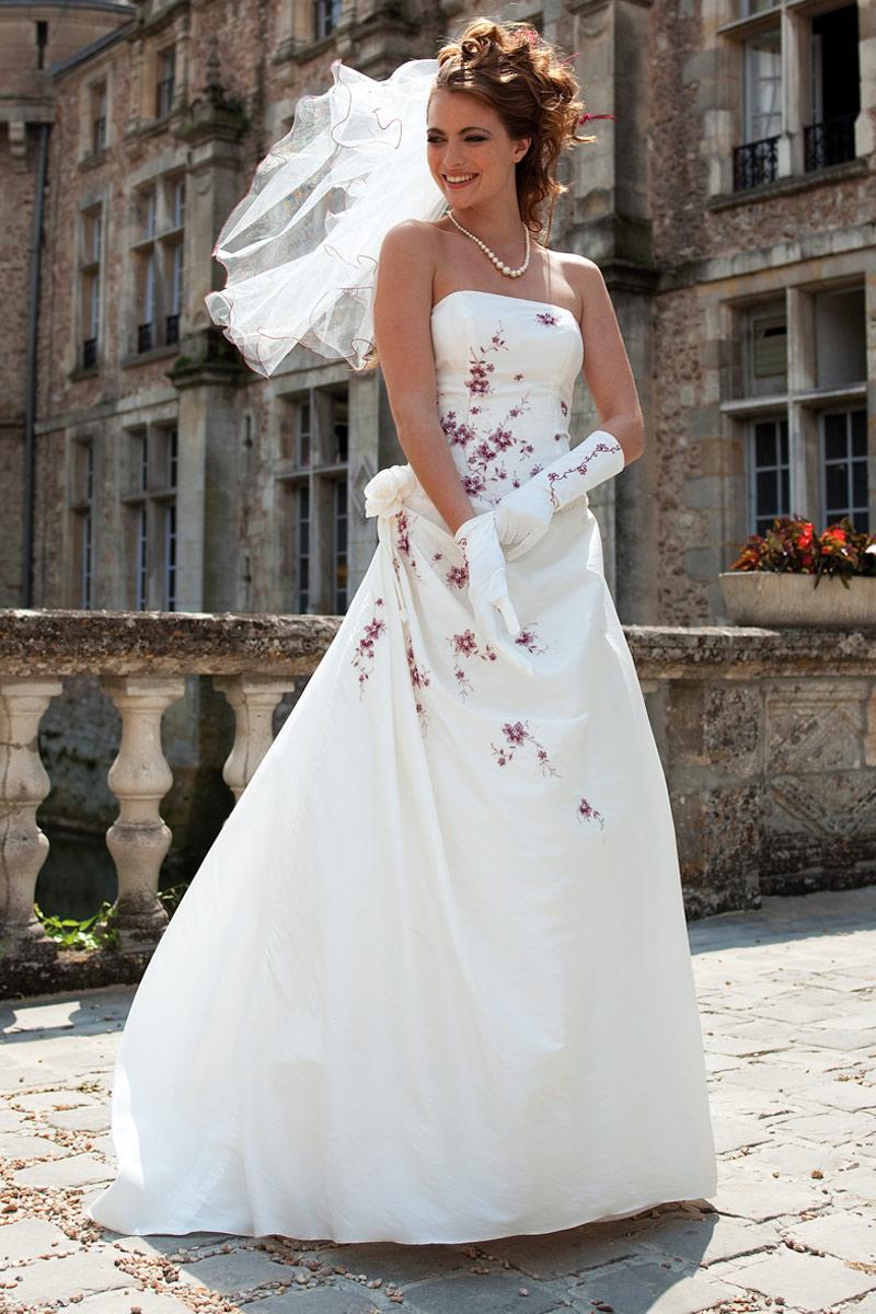 c4812f414ae dépenser pour une robe qu u0027on porte qu u0027une seule fois. Le rapport  qualité prix et le meilleur.Voici une belle collection de robe de mariée de  chez ...