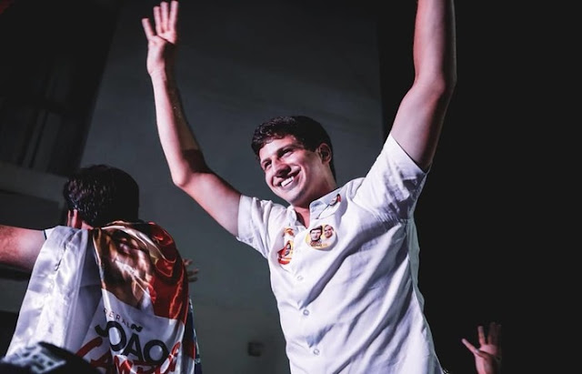 Com mais de 400 mil votos, João Campos é o deputado federal mais votado de Pernambuco