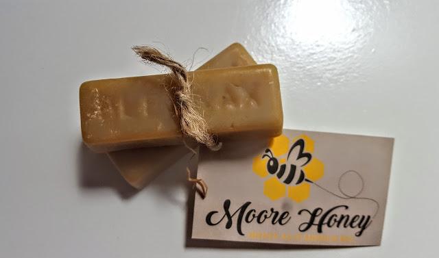 moore honey pure beeswax bars