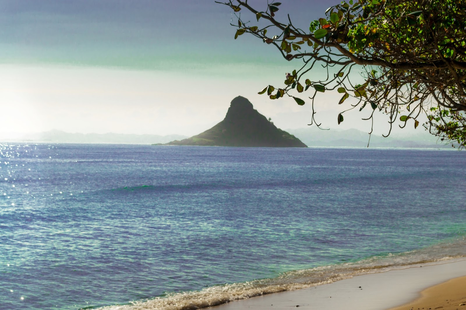 Chinaman's Hat on East Coast of Oahu