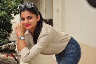 Actress Kamna Ranawath Latest Pictures in Ripped Jeans  0117.JPG