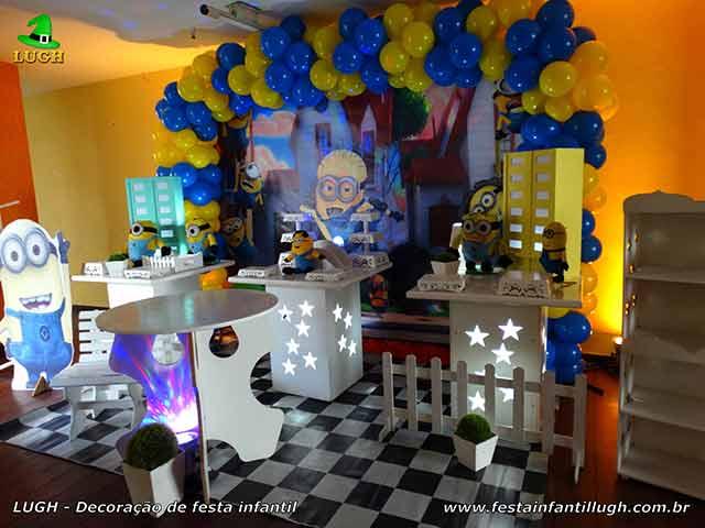 Decoração de festa de aniversário tema Minions