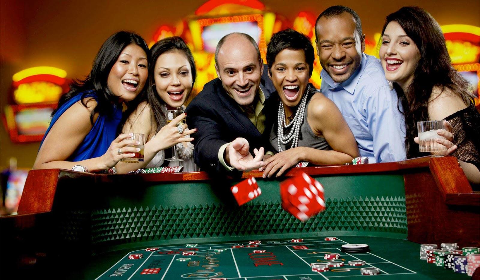 Бесплатные халявные бонусы заработки в казино карты варкрафт 3 фрозен трон играть