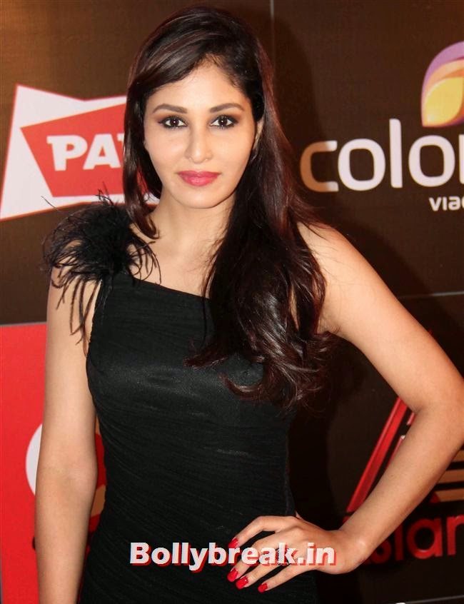 Pooja Chopra, Hot Celebs Grace the Celebrity Cricket League 4 Press Meet