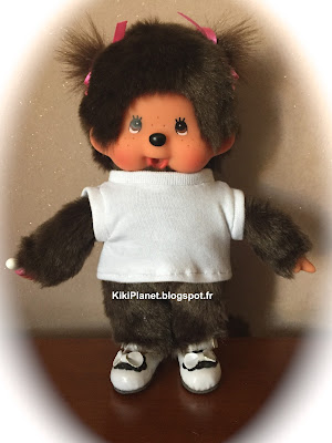 Un tee-shirt manches courtes pour Kiki ou Monchhichi