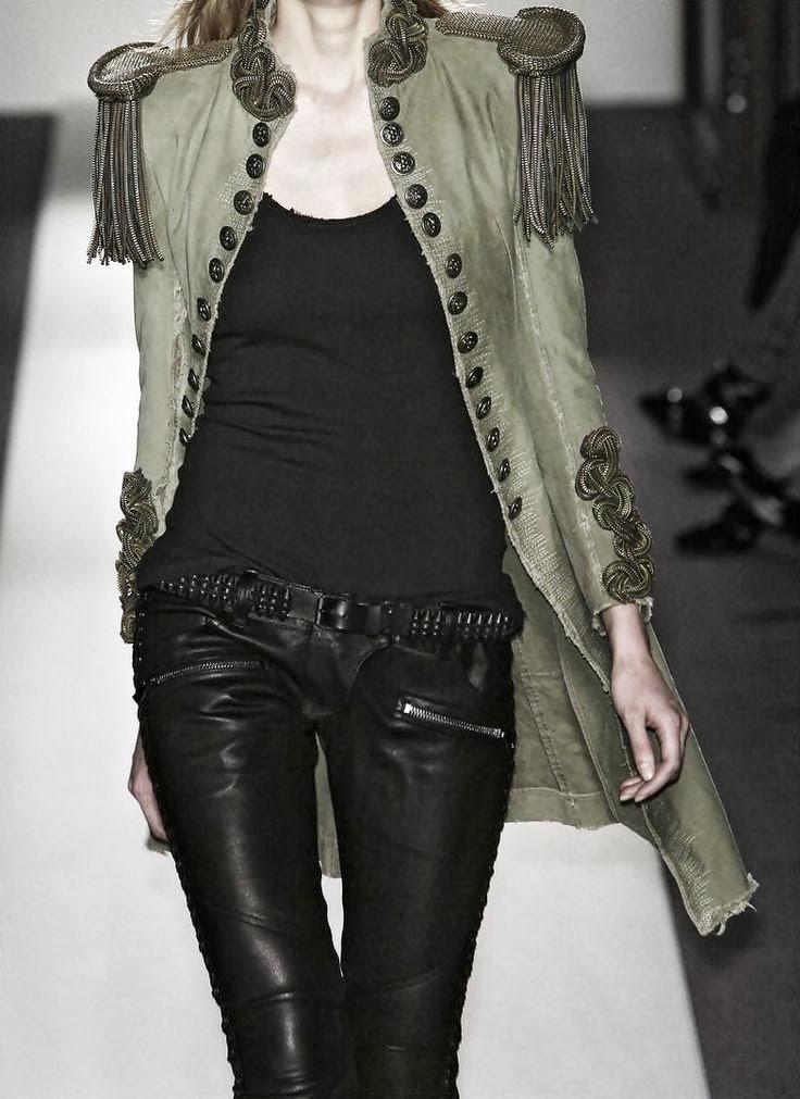 Be Fashionably En Verde Militar