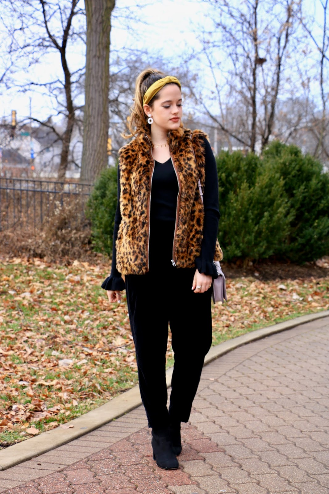 Nyc fashion blogger Kathleen Harper showing how to wear leopard