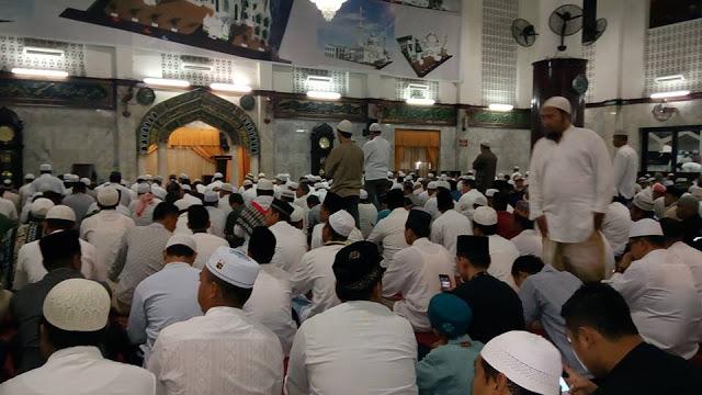 Gerakan Sholat Subuh Berjamaah di Mesjid Agung Medan Dipadati Jamaah
