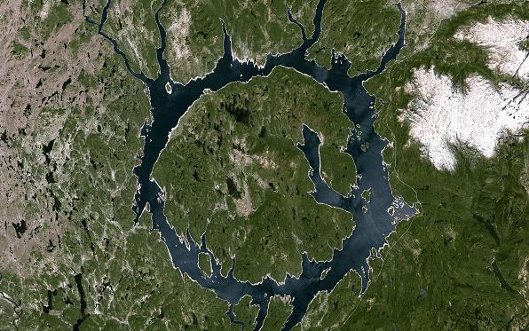 Dünya'ya Çarpan En Büyük Meteorlar -Manicouagan Gölü