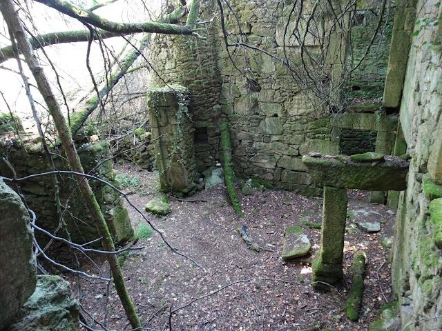 Aldea abandonada de Vichocuntín en Cerdedo