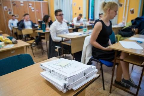 A matematika írásbelikkel folytatódtak a vizsgák