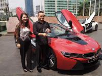 INI DIA PEMILIK PERTAMA BMW i8 DI INDONESIA YANG BANGGA KALAHKAN TOM CRUISE