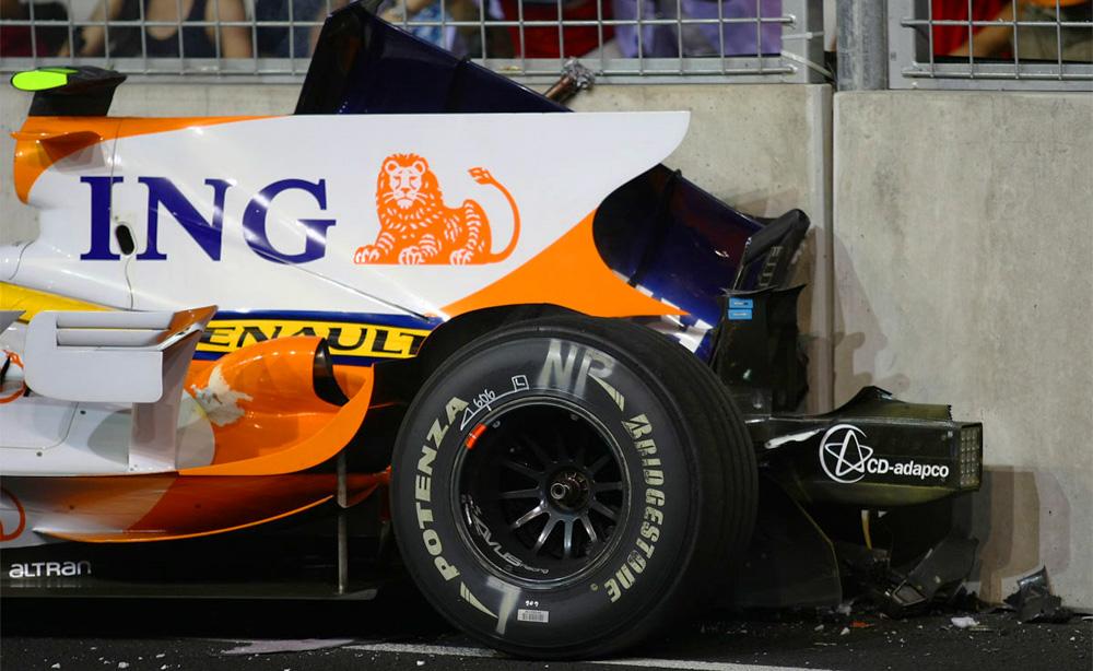 El Renault de Nelson Piquet Jr. estrellado en Singapur 2008 en el crashgate