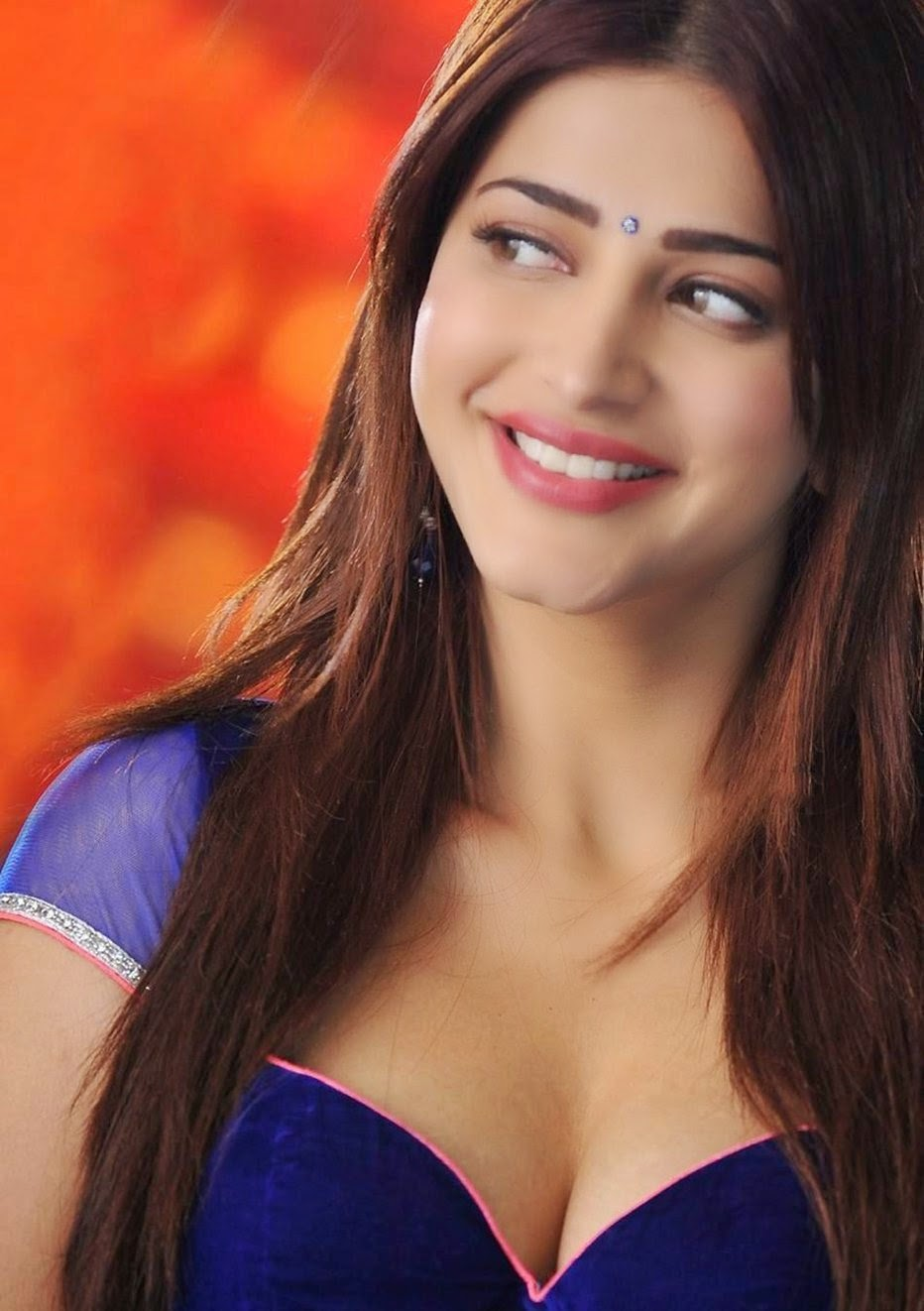 Shruti Haasan Latest Hot Navel And Milky Cleavage Show -7839