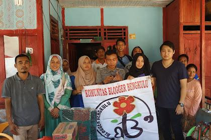 Blogger Bengkulu Salurkan Donasi Banjir Dan Longsor di Desa Penokot, Pagar Jati, Bengkulu Tengah