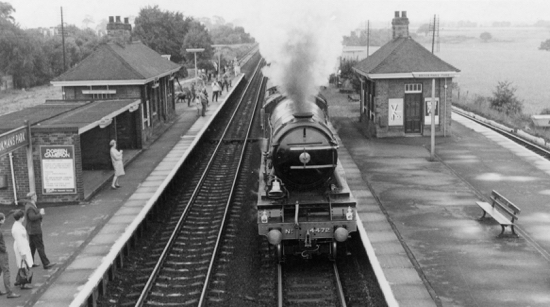 Photograph of the Flying Scotsman speeding through Brookmans Park station in 1969 - image from Ron Kingdon