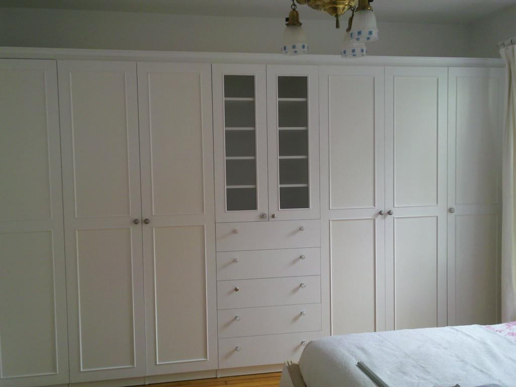 White Wardrobe Cabinets for the Bedroom